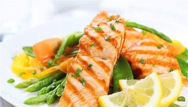 Jedzenie produktów bogatych w omega-3