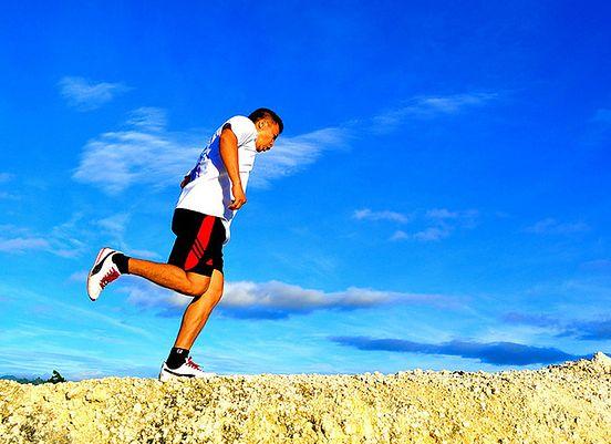 Biegający mężczyzna