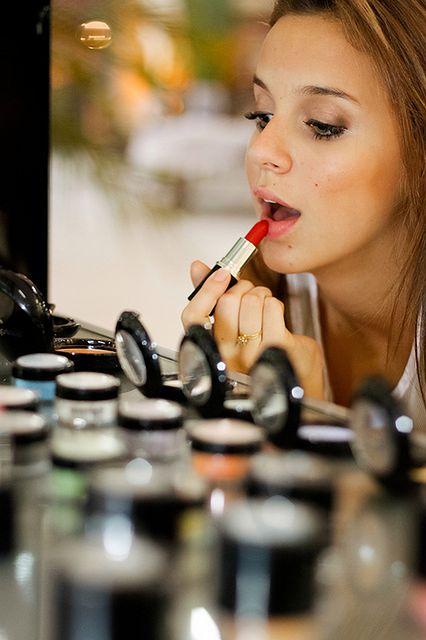 Sztuka malowania ust - trwałość pomadki