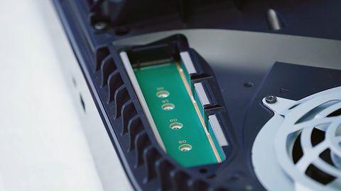 PlayStation 5: wkrótce zainstalujemy dodatkowe dyski SSD w konsoli