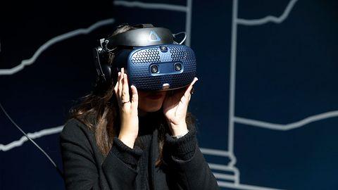 Spotkanie ze zmarłą córką w wirtualnej rzeczywistości. Transmitowała je telewizja