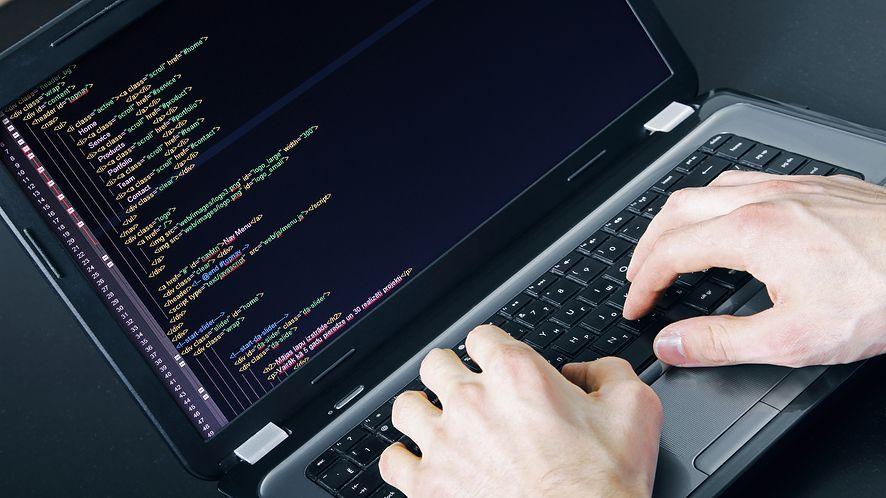 Na rynku wciąż brakuje specjalistów IT (depositphotos)