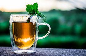Co się dzieje w organizmie, gdy pijesz herbatę? (WIDEO)