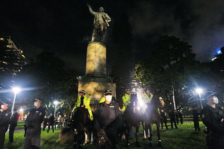 Australia. Dwie kobiety zniszczyły pomnik brytyjskiego odkrywcy