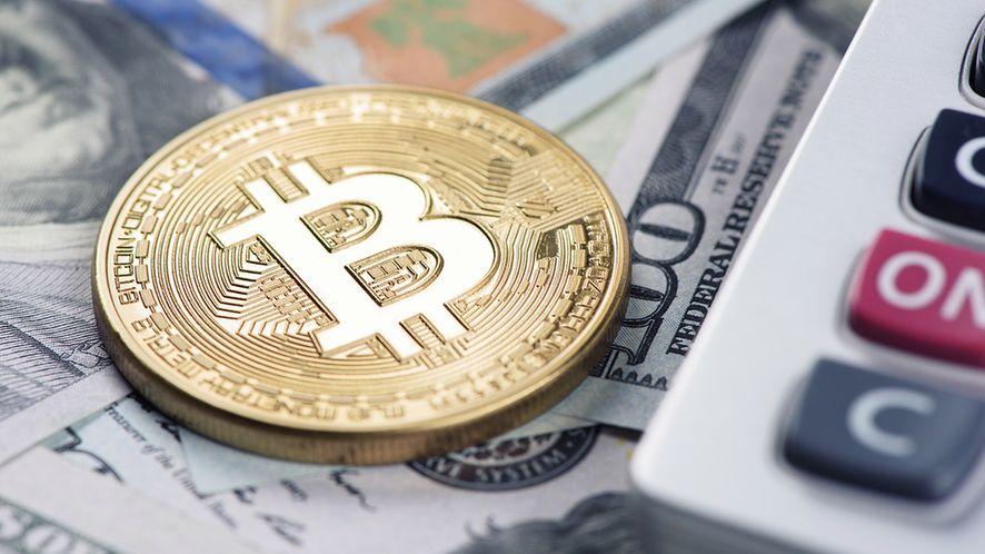 Bitcoin, dolary i kalkulator z depositphotos