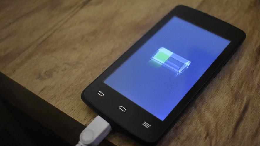 Naukowcy opracowali nową powłokę katody akumulatora, fot. Pixabay