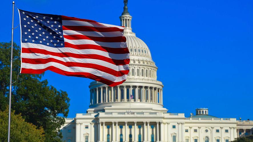 Flaga USA i Kapitol z depositphotos