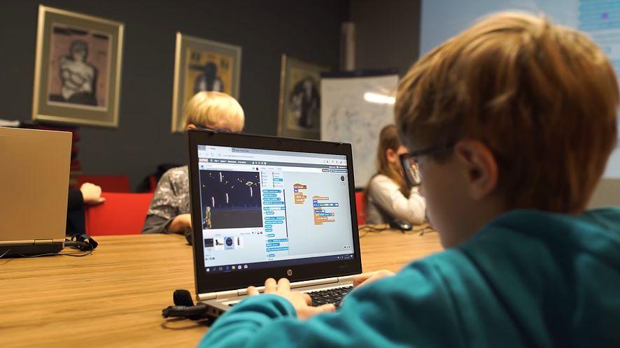 Kursy organizuje szkoła Giganci Programowania