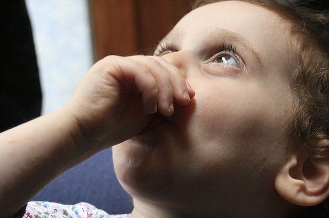 Gdy moje dziecko ma katar i kaszel, należy podać dwa różne leki?