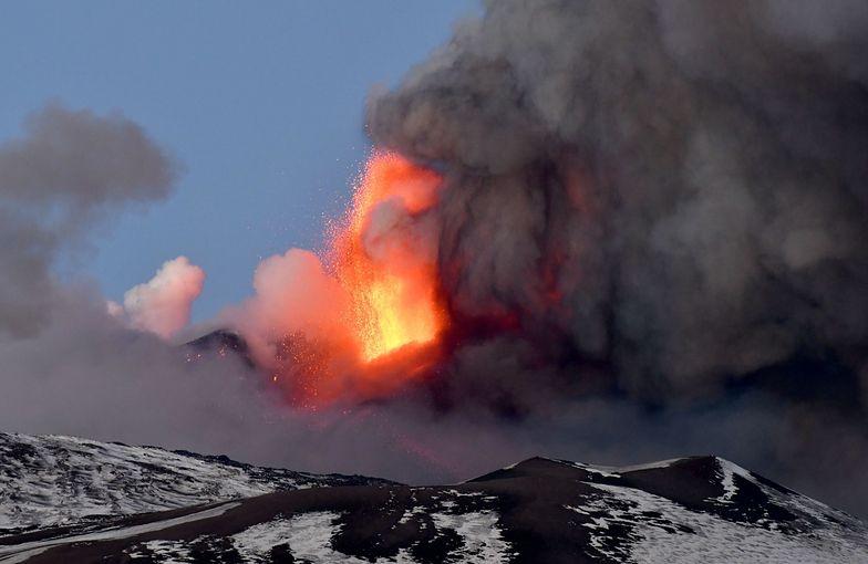 Włochy zadrżały. Erupcje Etny sięgają 10 kilometrów wysokości!
