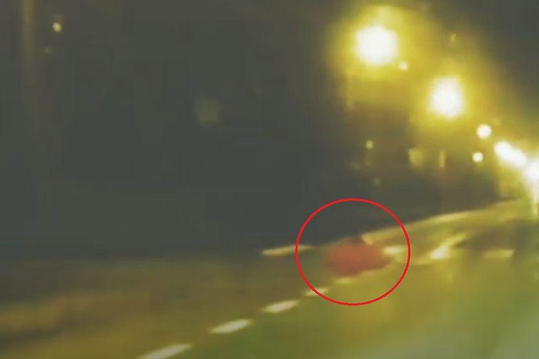 Brutalne potrącenie na przejściu dla pieszych. Wideo