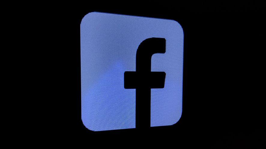 Dark Mode na Facebooku jeszcze przed wiosną (fot. Jan Domański, dobreprogramy)