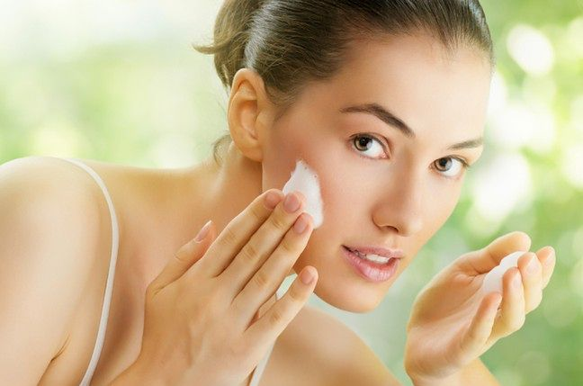 Przed wyjściem z domu aplikuj na skórę krem z filtrem