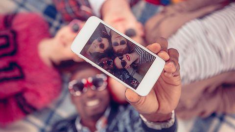 Walentynki 2020. Chcesz opublikować w sieci zdjęcie z bliską osobą? Zachowaj ostrożność