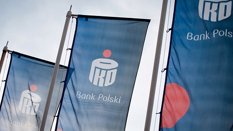 Bank PKO BP ostrzega. Klienci otrzymują fałszywe prośby o potwierdzenie danych
