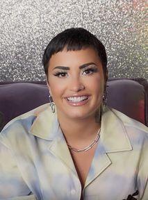 Dlaczego Demi Lovato jest piosenkarko? Czyli jak mówić o osobach niebinarnych