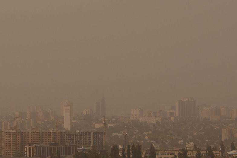 Ciemności spowiły miasto. Burza piaskowa nad Kijowem