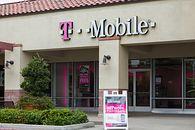 Pożar w jednej z warszawskich hal. Możliwe utrudnienia dla klientów T-Mobile - Źródło: Depositphotos