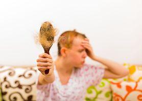 Choroby, które powodują łysienie. Sprawdź, jak powstrzymać wypadanie włosów