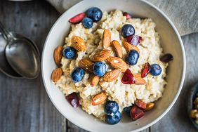 Jak wybrać dobre płatki śniadaniowe?