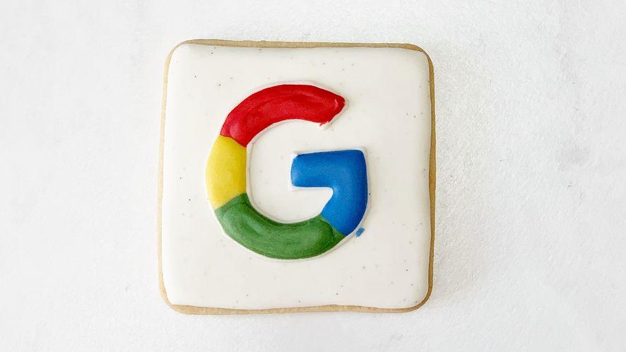 Google Authenticator wreszcie pozwala na transfer danych między telefonami, fot. Lauren Edvalson/Unsplash