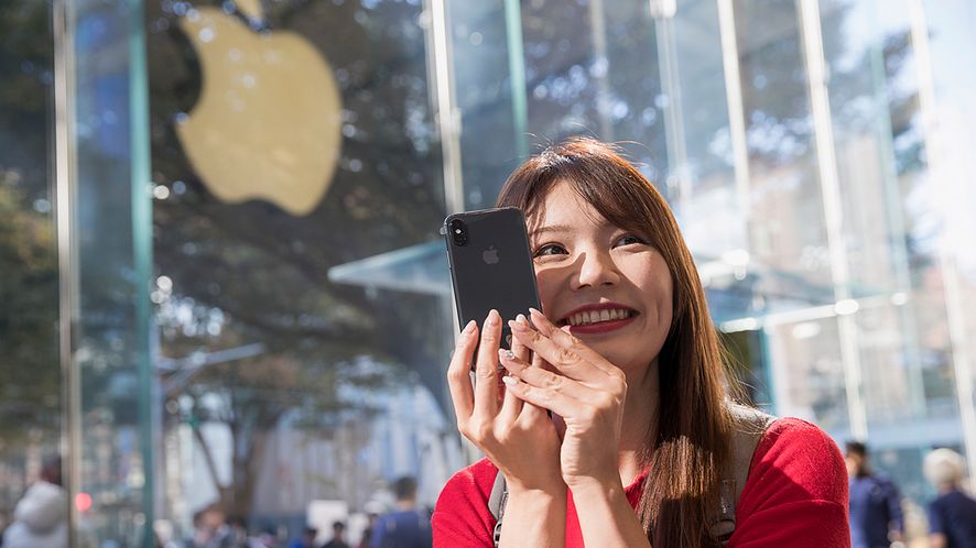 Apple przeprasza za spowalnianie iPhone'ów i obniża koszt wymiany baterii
