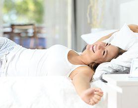 Badanie sugeruje, że większość par decyduje się spać w oddzielnych łóżkach