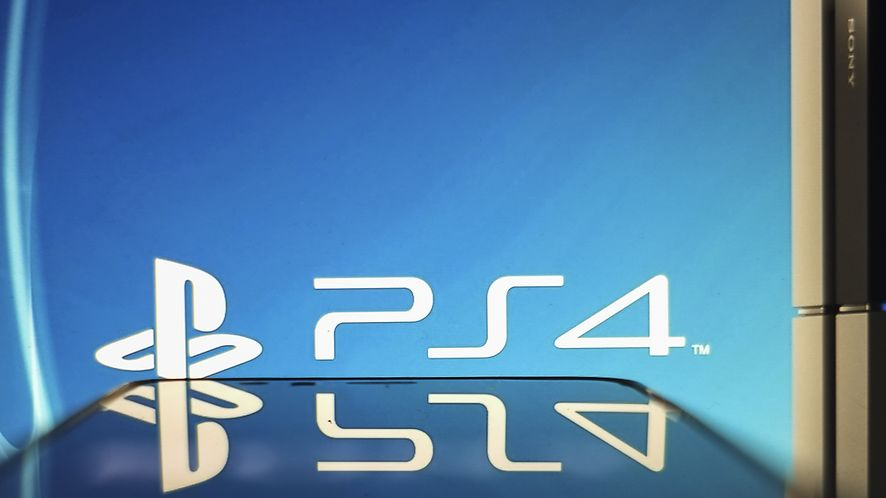 Sony szuka luk w zabezpieczeniach PS4 /Fot. GettyImages