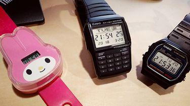 Przewodnik Hipstera — ironicznym okiem na elektronikę - Polecam zwłaszcza fakt wskazywania trzech różnych godzin