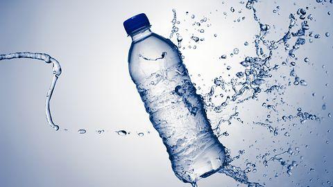 Gaz z butelek PET zamiast benzyny? Kropki kwantowe w służbie ekologicznej