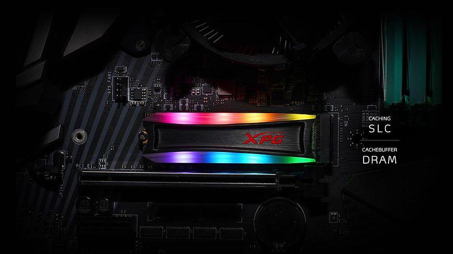ADATA prezentuje dysk z podświetleniem RGB, fot. materiały prasowe