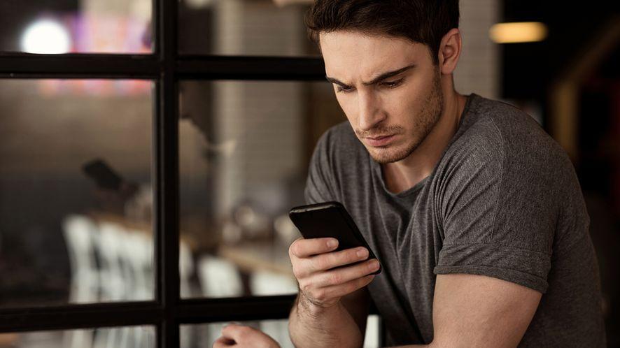 Bateria w smartfonie wyjawi Twoje tajemnice (fot. depositphotos)
