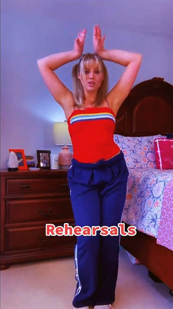 Nowy trend na TikToku - bądź jak Britney w 2008!
