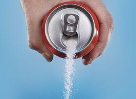 Słodziki szkodzą bardziej niż cukier. Możesz znaleźć je nawet w śledziach