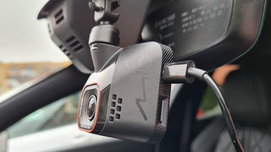 Przykład optymalnej kamerki samochodowej? Sporo zalet i niewiele wad