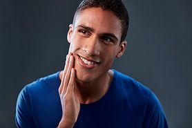 5 porad na golenie wrażliwej skóry u mężczyzn
