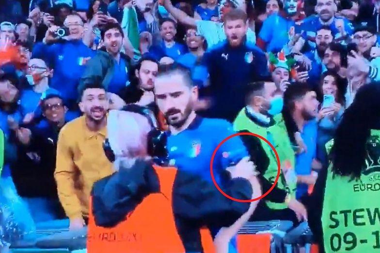 Hit internetu! Ochrona pomyliła piłkarza z kibicem