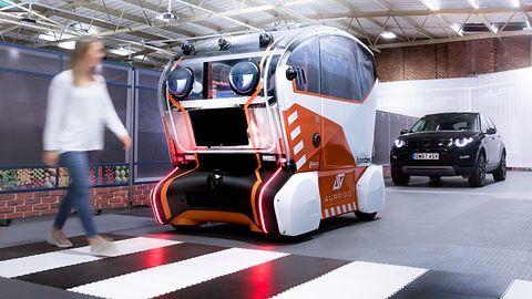 Pojazdy autonomiczne z ludzkimi cechami? Nowy projekt Jaguar Land Rover dostanie oczy