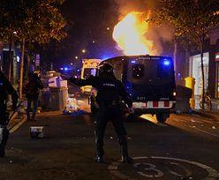 Dantejskie sceny w Barcelonie. Szósta noc protestów w Hiszpanii