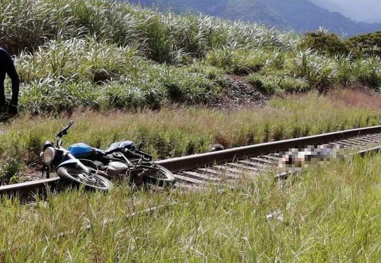 Straszne znalezisko w Meksyku. Leżał obok swojego motocykla