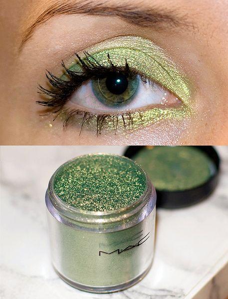 Zielony cień do powiek