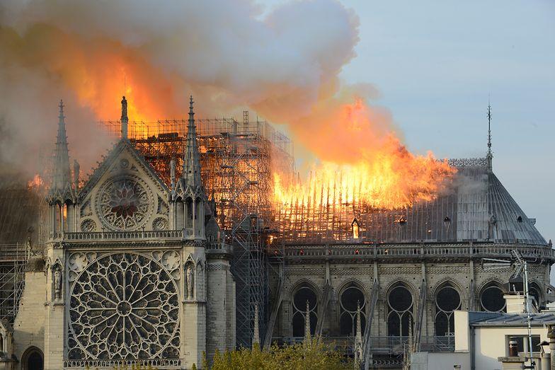 Wojna o Notre Dame. Generał chłoszcze architekta
