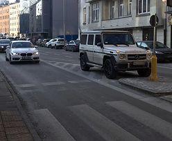 Piotr Stramowski w Mercedesie Klasy G 63 AMG. Aktora przyłapał nasz czytelnik