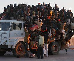 Tragiczny wypadek migrantów. Ciężarówka przewoziła 300 osób