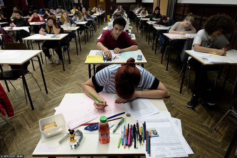 740 tys. uczniów z Francji w tym roku nie przystąpi do matury.