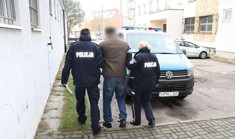 33-latek z Malborka dźgnął partnerkę w brzuch oraz klatkę piersiową w czasie kłótni.