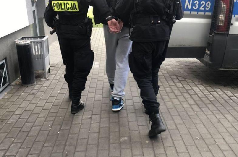 Był poszukiwany przez Interpol. Wpadł na pasach