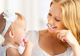 10 sprawdzonych sposobów na białe zęby - o czym pamiętać, czego unikać?