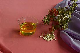 Olej żywokostowy – właściwości, działanie i zastosowanie