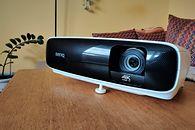 BenQ TK810 - projektor 4K HDR z funkcjami SmartTV do zastosowań domowych